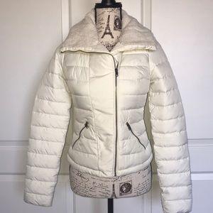 HOLLISTER OFF-WHITE PUFFER COAT